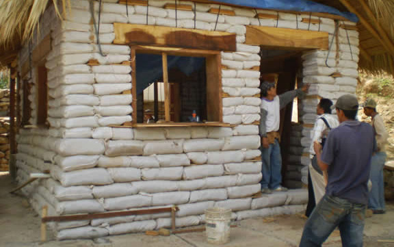 Constructing Earthbag Houses At Solarhaven2 In Veracruz